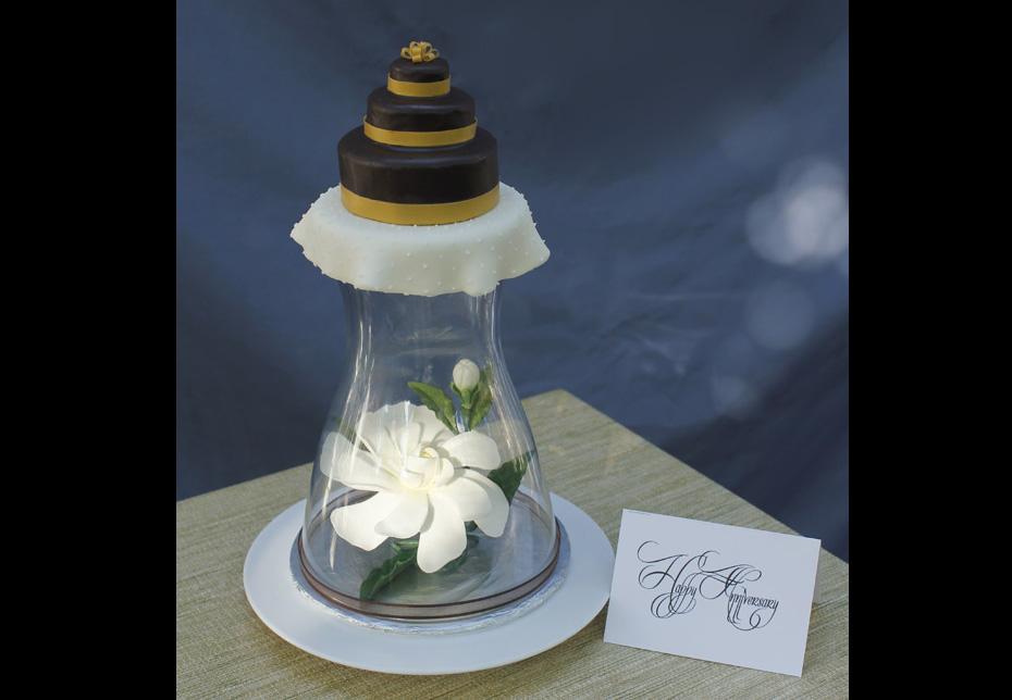 Anniversary-Cake-with-sugar-Gardenia